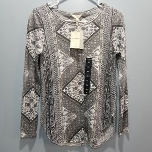 Lucky Brand Long Sleeve Tapestry Tee 7W84005 P302